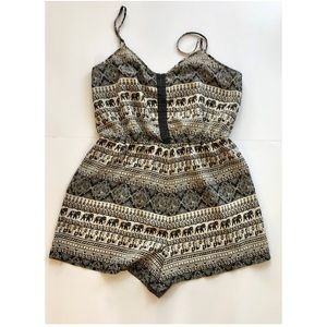 Staring at Stars / Urban Outfitters Romper size M